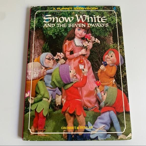 1968 Snow White Fairy Tale Book